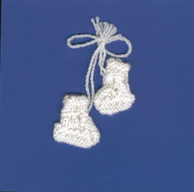 Modele de carte avec chaussons tricotes