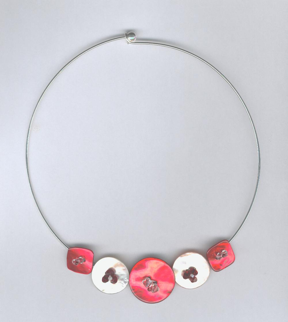 Collier en perles de Swarovski et en nacre