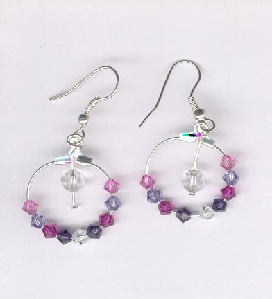Pin by corinne goron on perles de rocailles pinterest - Presentoir boucle d oreille ...