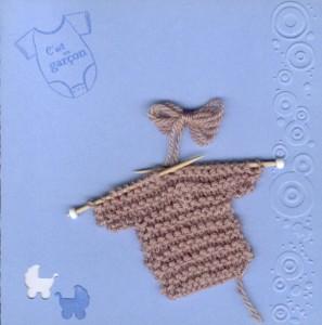 carte de naissance avec pull marron carte bleu