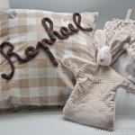 Thumbnail image for Cadeau naissance : un doudou lapin et son sac coordonné