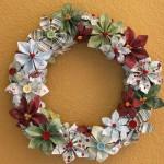 Thumbnail image for Tutoriel pour fabriquer une couronne de Noël en fleurs en papier